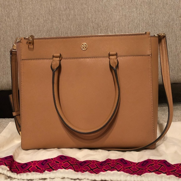 6a2e673eb8b5 LIKE NEW Tory Burch Large Robinson Double Zip Tote.  M 5ab44bef3800c53a66ae0268